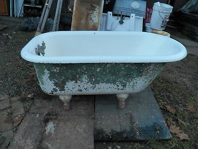 Antique Cast Iron White Porcelain Claw Foot Bath Tub