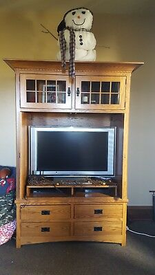 PRICE REDUCED!!!  Beautiful 2 piece Amish Oak Armoire and tv