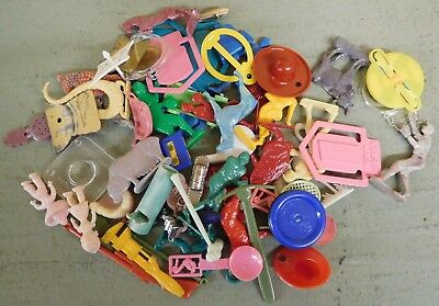 Large Lot of Vintage CRACKER JACK Plastic Toy Charms (TH147)