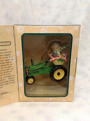 1998 John Deere Masterpiece Collection Limited Tractor Ornament Granny