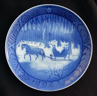 Royal Copenhagen Christmas Plate - Very Good Condition - 1984 Jingle Bells