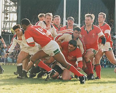 Mar 94 England v Wales Press photgraph Nigel Walker scoring for Wales