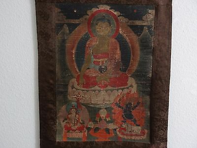 ANTIQUE TIBETAN  BUDDHIST THANGKA PAINTING of a BUDDHA
