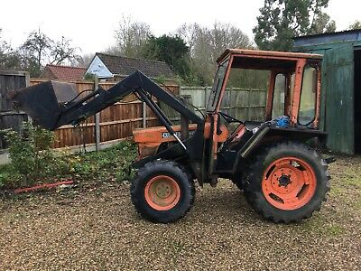 Kubota 4x4 Compact loader Tractor L245dt