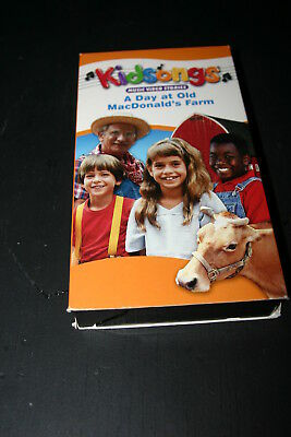 Kidsongs: A Day At Old MacDonald's Farm - VHS