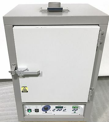 VWR Sheldon 1330FM Horizontal Forced Air Safety Oven to 240 C w/ 4 Mo Warranty