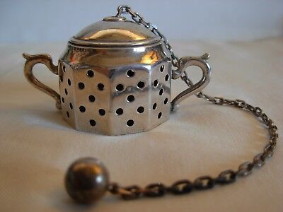 TIFFANY & Co. STERLING SILVER TEA STRAINER-- MADE IN ITALY - 17.5 grams