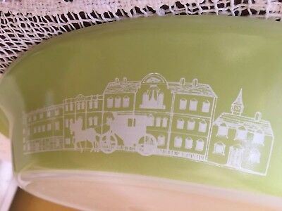 AGEE PYREX COLONIAL Pattern (Horse & Carriage) Green DIvided dish