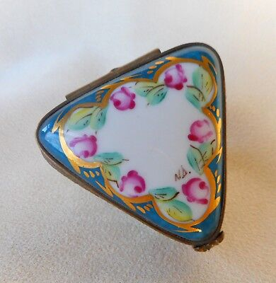 A Limoges Hand Painted Signed Patch / Pill Box ~ Unusual Triangular Shape  !
