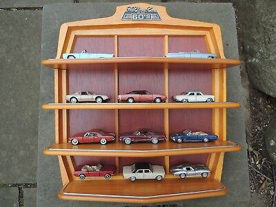Classic Cars of The 60's Franklin Mint - Display shelves + 11 cars. Corvette etc