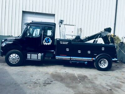 Frightliner M2 tow truck