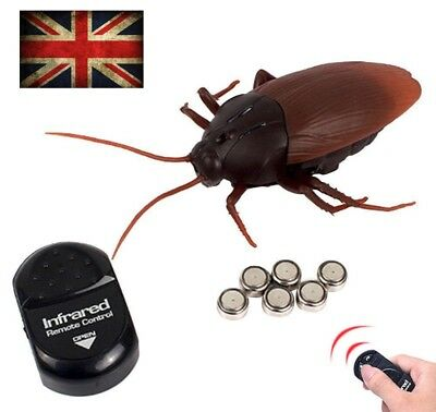 Remote Control Cockroaches Roach Christmas Toy Gift Prank Insects Joke Scary UK