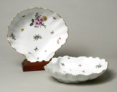 Wonderful Pair Of Large Antique 18Thc Meissen Porcelain Moulded Scallop Dishes