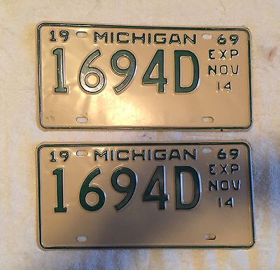 Good Solid Pair Of 1969 Michigan License Plates Lot Of 2 FREE SHIPPING
