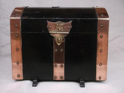 363 / Beautiful Mid 20Th Century Ply-Wood And Copper Bound Casket / Chest