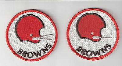 Lot of 2 diff Cleveland Browns Patches Vintage 3 inch round Patches Free Ship