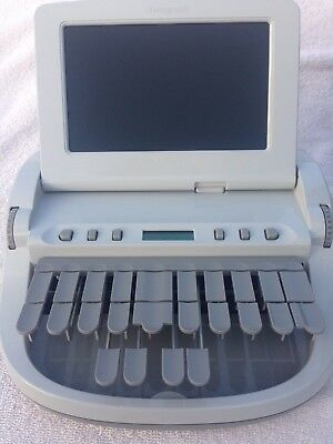 Stenograph Diamante court reporting writer w/ black wheel case. EXCELLENT COND.