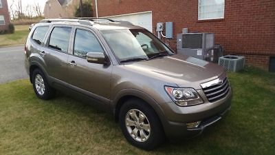 2009 Kia Borrego EX 2009 Kia Borrego in excellent condition