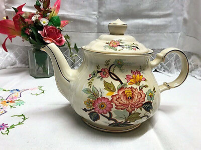 Beautiful Vintage Sadler Teapot Floral with Gilt Finishing