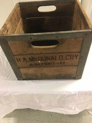 VINTAGE WOOD AND MEDAL CRATE-- H.A. McDONALD , CRY 6- DETROIT- 52