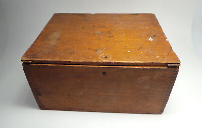 Vtg Seed Wooden Finger-Jointed Box w/ Primitive Hinged Lid 3 Sections Dovetail