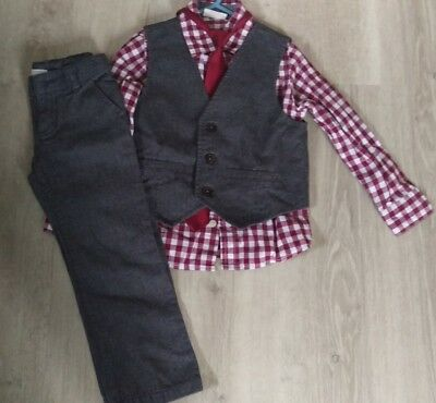 Little Boys Size 4/4t Four Piece Dress Outfit. Crazy8. Holiday, Winter. EUC
