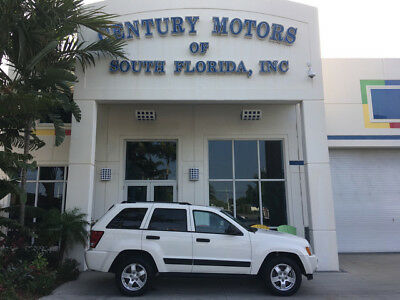 2005 Jeep Grand Cherokee Laredo Sport Utility 4-Door 1 Owner Sunroof Leather CD Changer Tow