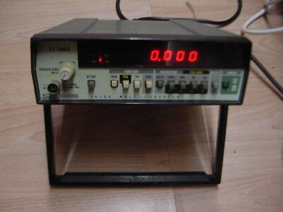 FLUKE frequency  counter 1910A