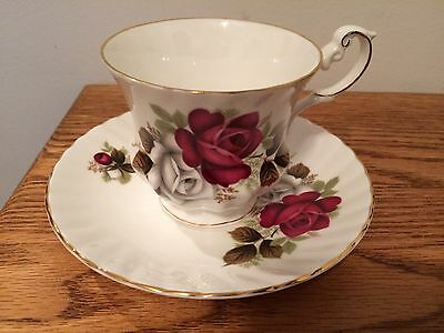 Queens Red & White Roses Fine Bone China Cup & Saucer