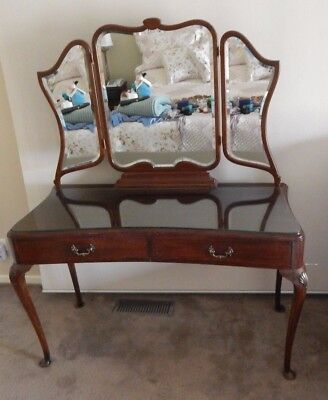 Antique Queen Anne French Style Solid Timber Mahogany? Dressing table C1946