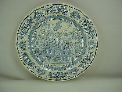 Wedgwood 1945 YALE UNIVERSITY CONNECTICUT HALL 1752 Blue White Dinner Plate