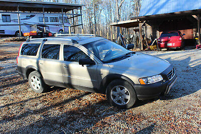2005 Volvo XC70 Leather 2005 Volvo XC70, all wheel drive, sunroof, leather