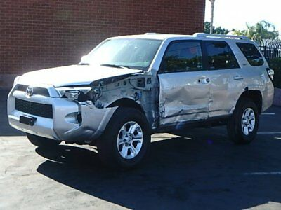 2016 Toyota 4Runner 4WD V6 2016 Toyota 4Runner V6 4WD Wrecked Rebuilder Perfect Project Lots of Options!