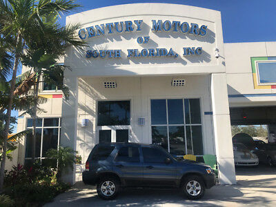 2005 Ford Escape  NIADA CERTIFIED WARRANTY 4WD LEATHER LOADED NO ACCIDENTS