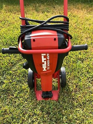 Hilti TE 3000-AVR Demolition JackHammer Breaker Concrete Hammer Slightly Used!!!