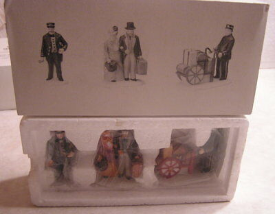 """Dept. 56 Dickens Village """"holiday Travelers"""" Heritage Village Collection"""