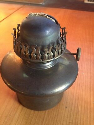 Vintage B. B. Co. New York Brass Oil/Kerosene Lamp Font