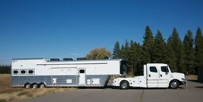 Living Quarters Horse Trailer and Truck