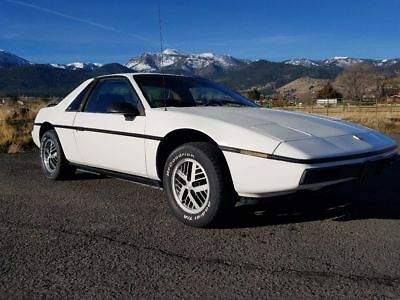1984 Pontiac Fiero SE 1984 Pontiac Fiero SE 2M4 GREAT! condition 69K Miles -  Christmas is here!