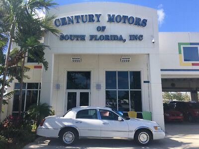 1998 Lincoln Town Car Executive Sedan 4-Door FLORIDA SALT FREE RUNS VARY NICE NO RECALLS WHITE