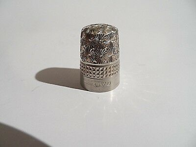 Beautiful Quality Antique Solid Silver Chester Hallmarked Thimble c1908