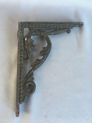 One Antique Cast Iron Shelf Brackets Leafy Decorative Old Vtg Hardware 330-17J