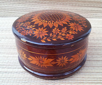 Antique Box Wooden round Type Jewelry Art Pop Russian French Antique