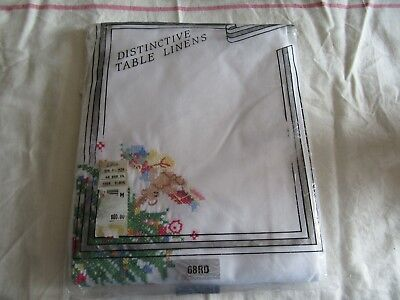 """Vintage NOS NIP 68"""" Round Holiday Tablecloth with 8 Napkins."""