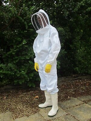 **CLEARANCE SALE OF OLD STOCK** Bee Suit Fencing Veil.