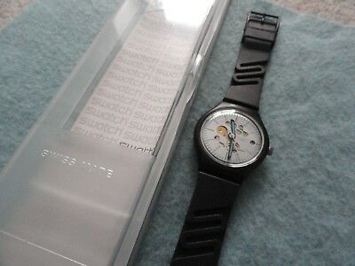 New Old Stock Vintage Swiss Made Swatch Auto-Quartz Watch, shows the date