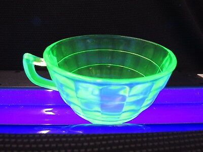 Vintage Federal Glass Green Vaseline Glass Round Drinking Cup Cups