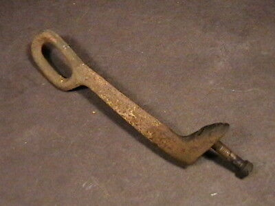 Vintage  1906 Singer Treadle Sewing Machine Cast Iron Belt Guide W/ Screw