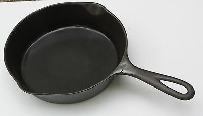 Vintage Unmarked #5 Cast Iron Skillet with Heat Ring-Sits flat, No Wobble