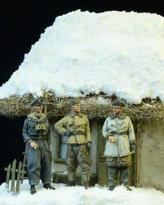 D-Day Miniature 72003 German Waffen SS Officers Winter 1943-45   1:72